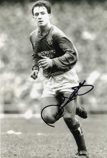 Derek Ferguson, Rangers, signed 12x8 inch photo.